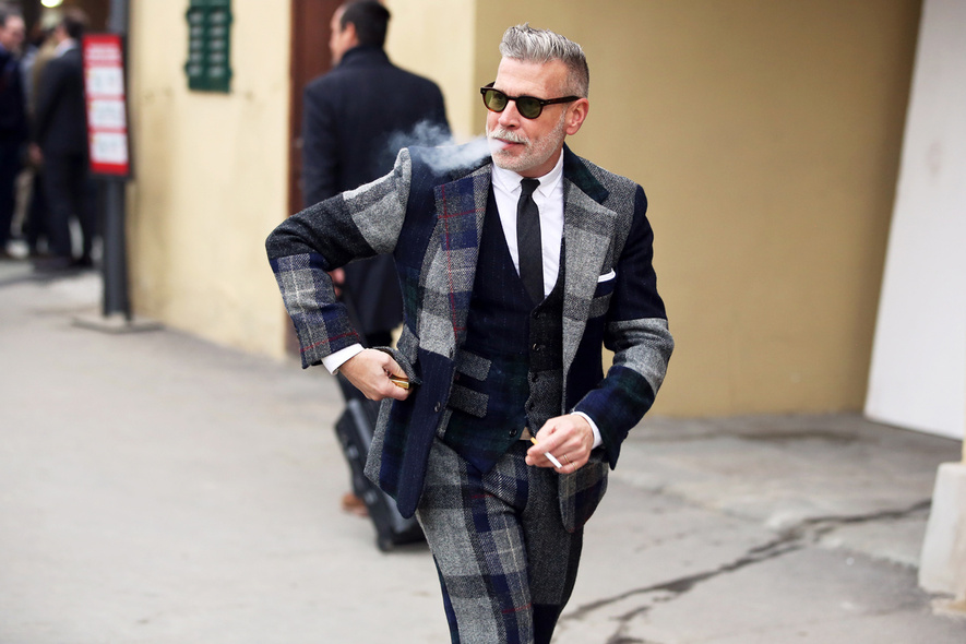 nick-wooster-pitti-uomo-suit-smoking-tartan