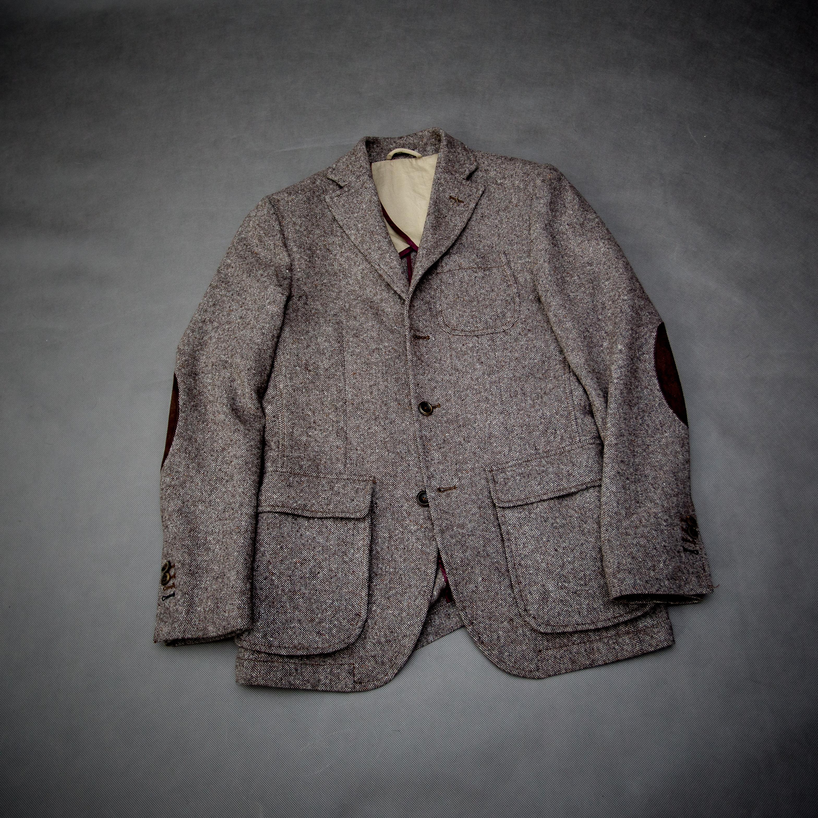 0433b424916fe brązowa tweedowa marynarka w stylu łowieckim podstawy jesiennej garderoby  facet mężczyzna